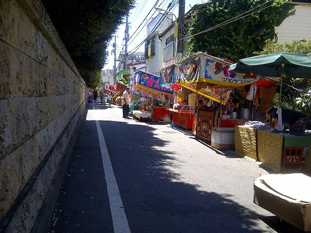 諏訪台通りの露店